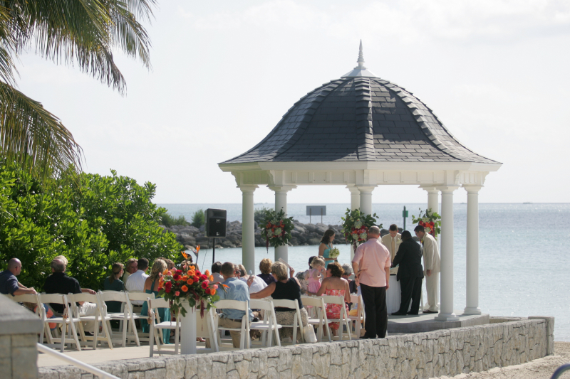 click here to find other great bahamas wedding vendors like photographers