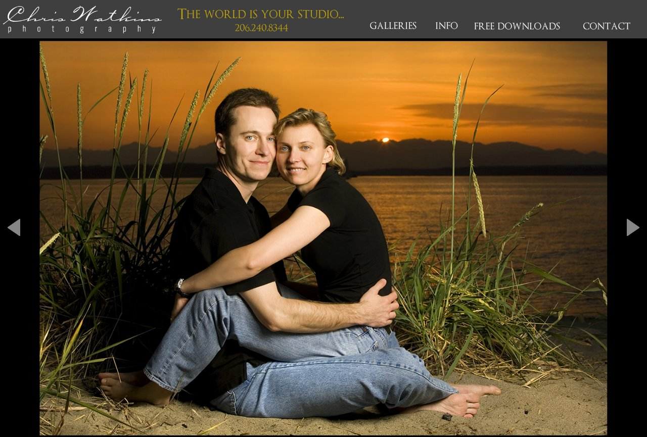 Engagement pictures on Alki beach at sunset